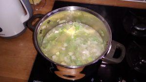 budget-leek-potato-soup-step-2